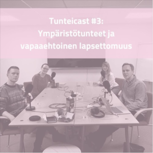 Pöydän ääressä Anton Vanha-Majamaa, Kaisa Kosonen, Outi Aaltonen ja Taneli Saari